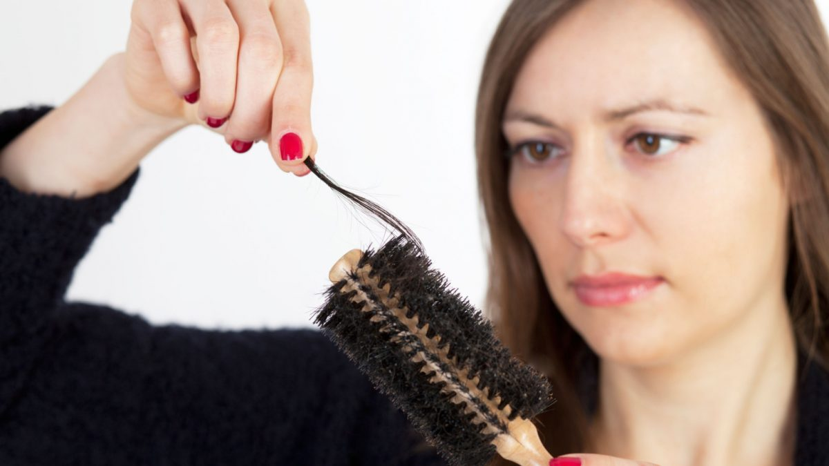 5 Simple Ways to Control Hair Fall